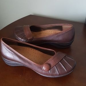 Size 10 Brown leather Hush Puppies wedge shoe